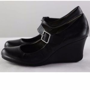 Black Mary janes buckle school girl style 8.5